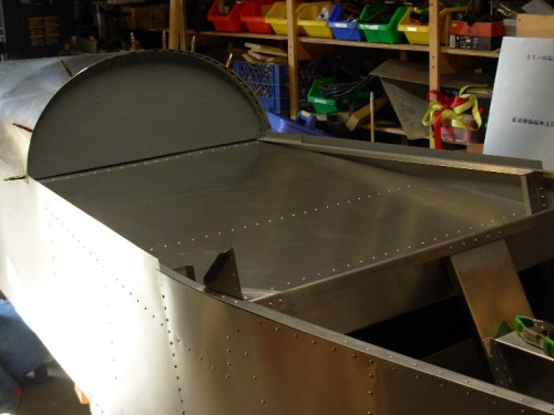 Baggage fllor about half riveted in