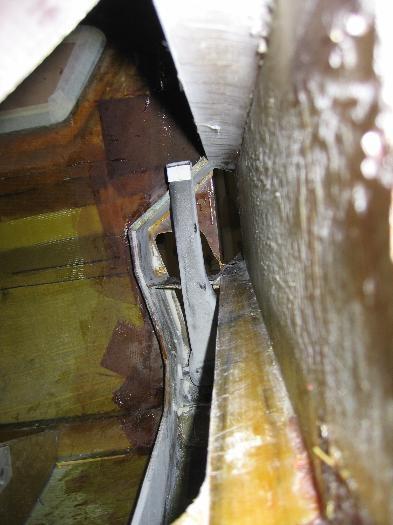 looking down spar pax gear down