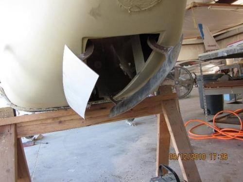 Nose gear doors