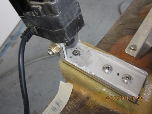 Flat head screw recessed in trim motor mount