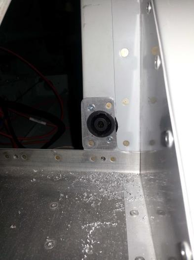 External ground power input