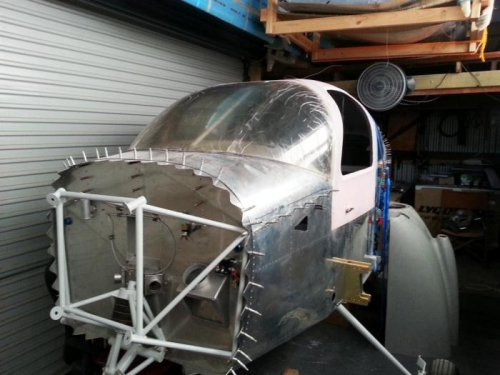 Preliminary cutting of the main windscreen