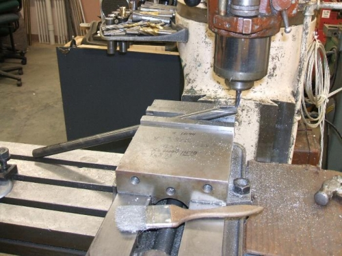 Milling angle on top end of strut