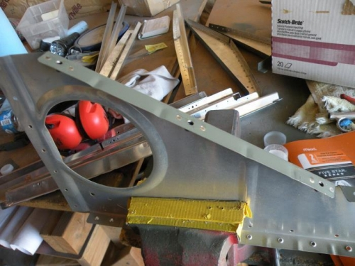 K1000-8 nutplates installed to the F-715 outboard ribs.