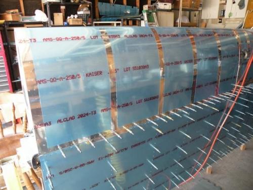 Devinyled rivet lines.