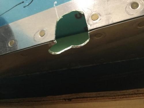 Left hole shape