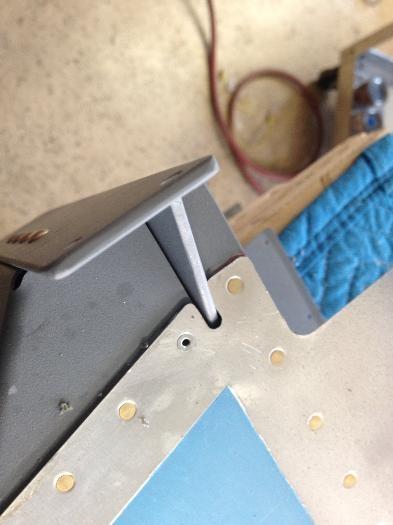 Longeron yoke didnt quite reach....another pop rivet