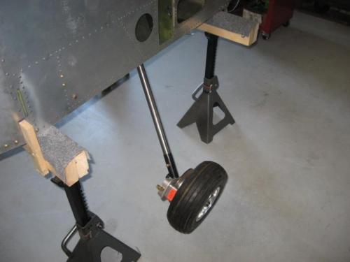 Brake calipers and wheels on
