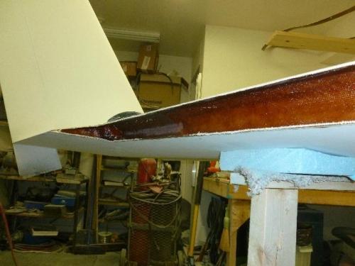 Pilot side wing