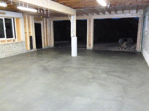 Nice a concrete floor