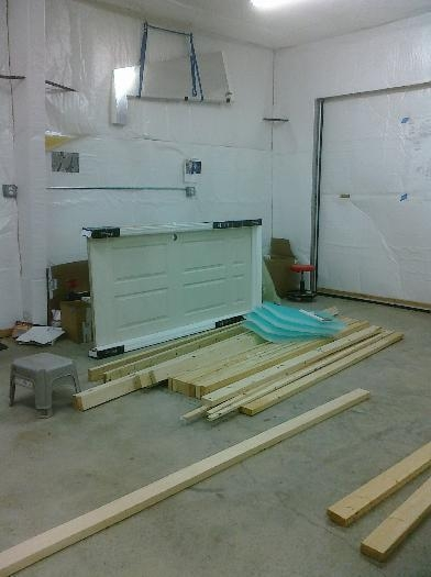 Materials for walling off end of shop