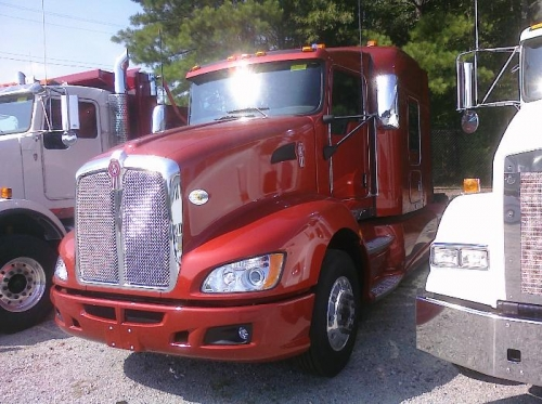 Kenworth with a nice Dupont Imron color