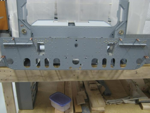 Riveted bulkhead assembly