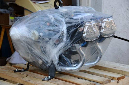 Lycoming IO-390 Arrives - Removal From Pallet