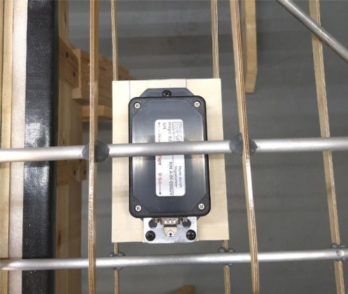 Magnetometer mounting base