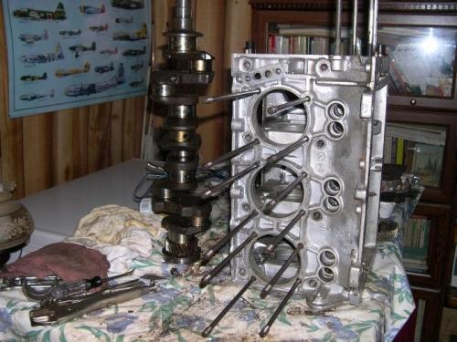 Crankcase on side