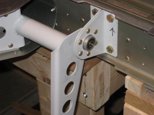 Left elevator control arm