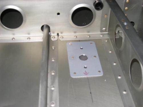 ADS-B antenna doubler plate