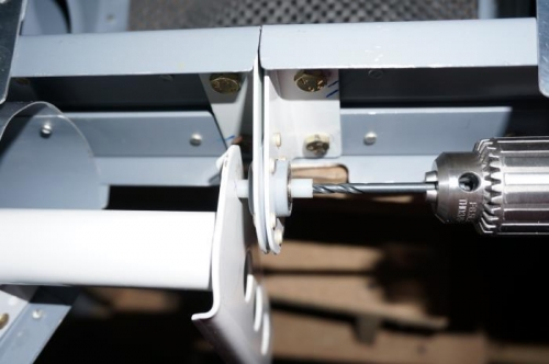 Drilling control horn for center bearing bolt