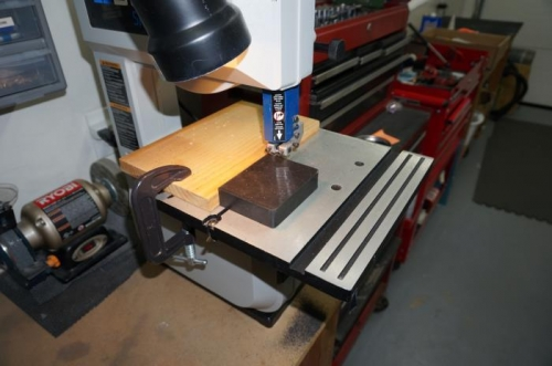Cutting rubber block for stops