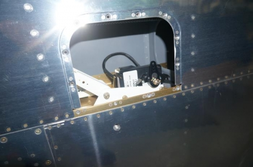 Roll servo bolted into RH wing