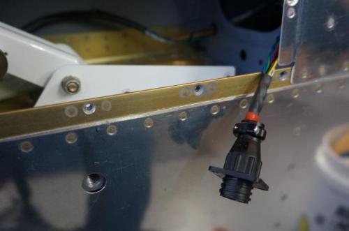 Autopilot CPC pin connector