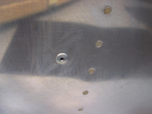 1 of 2 static ports (drilled rivet)