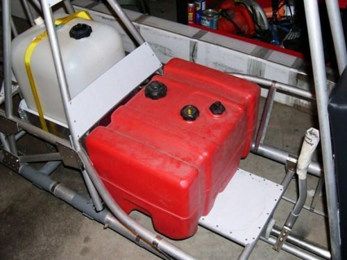 MAIN FUEL TANK AND AUX TANK