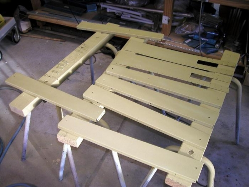 Rear baggage ribs and center spar supports