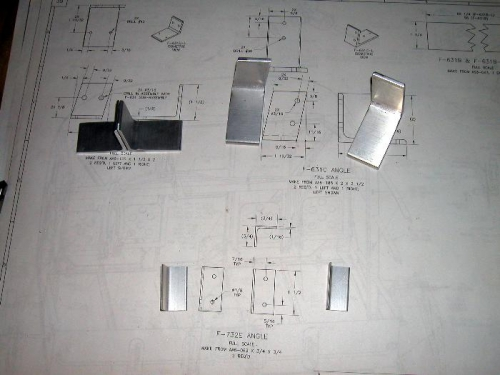 Fuselage support brackets