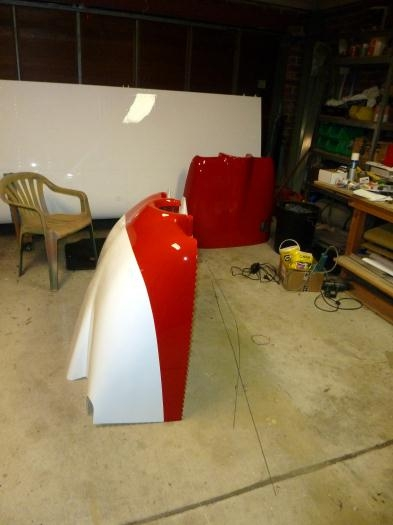 Strip to match fuselage painted on cowl