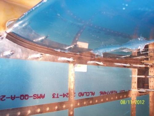 Bottom gap cover installed