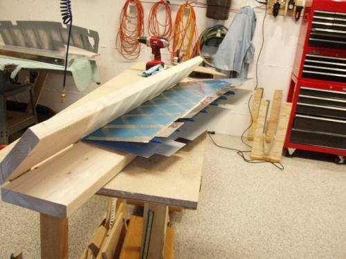 With boards flush only the trailing edge gets pinched
