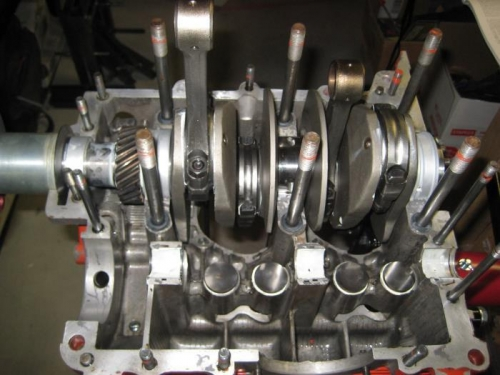Crank installed in the right case.