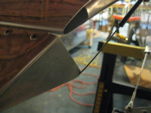 Wire to trim tab installed.