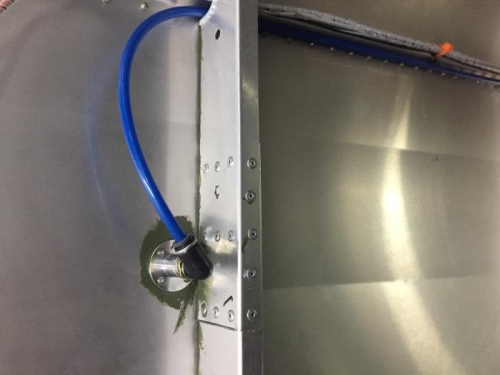 interior connection with quick-connect fitting