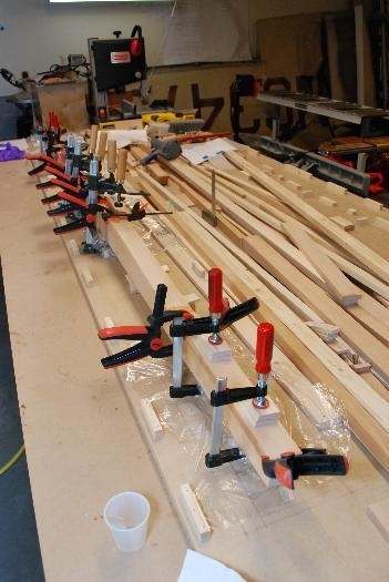 Upoper center section spar flange