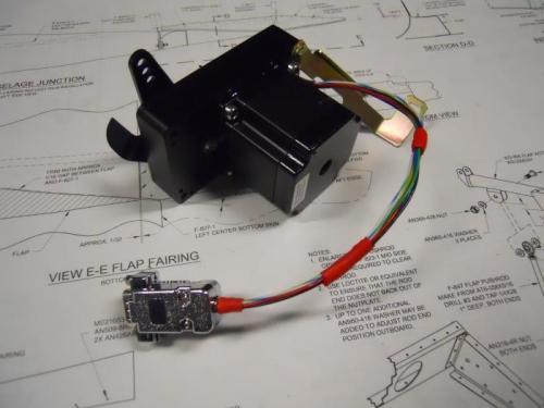 Wired d-sub plug for servo