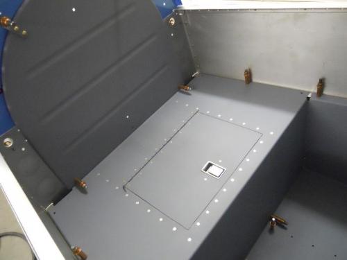 Rear baggage shelf installed