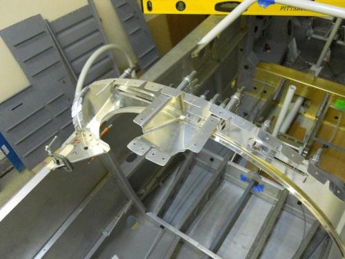 Canopy rail receptacle