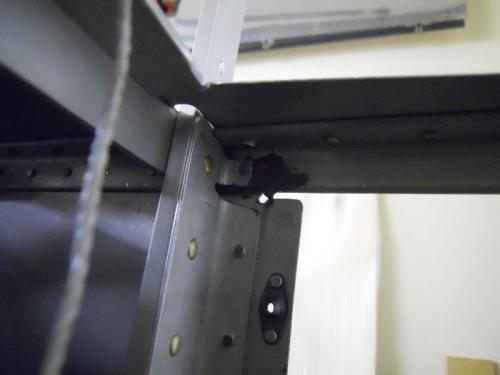 CR3214 rivet-upper corner