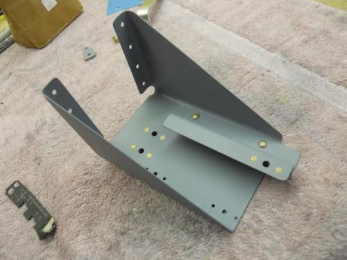 F8111 support bracket with F8119 achor bracket installed