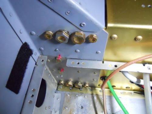 Left side bolt heads