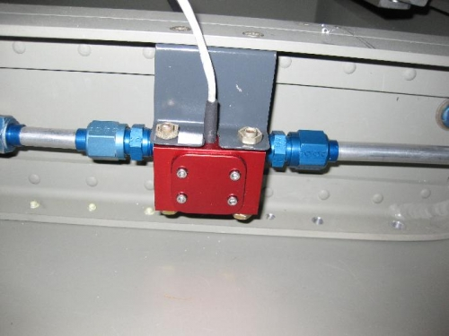 Fuel transducer mounting