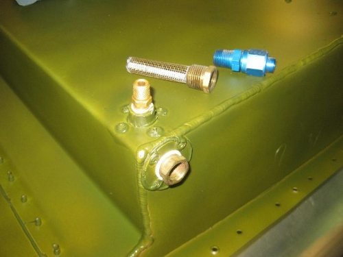 Fuel pickup stainer