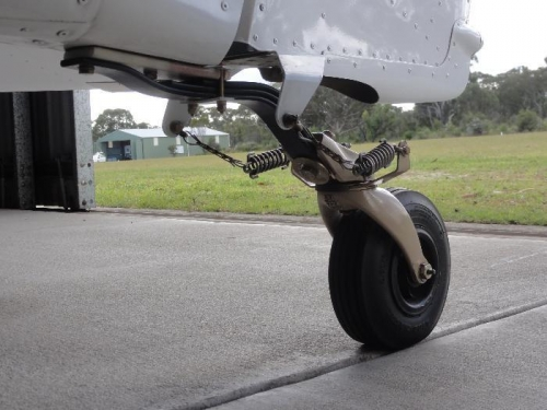 Beefed up tail wheel mount plate