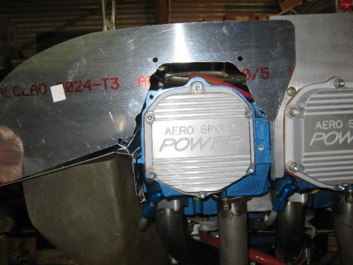 The mismatching cylinder head and side baffle