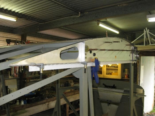 Lining up the rear section of the right side rib