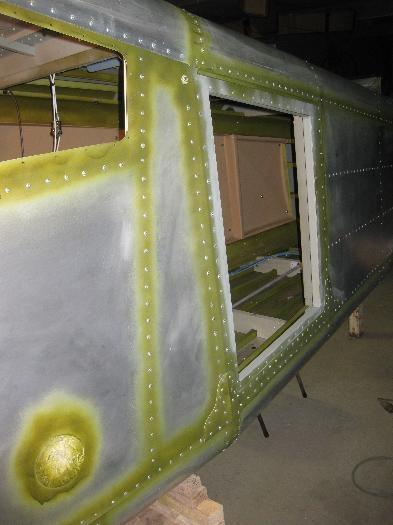 Cargo door side