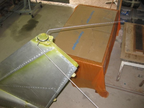 Mounting the VOR - DME Antenna